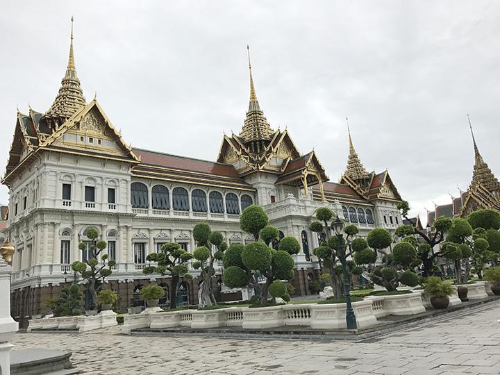 大皇宫是曼谷市中心的古建筑群